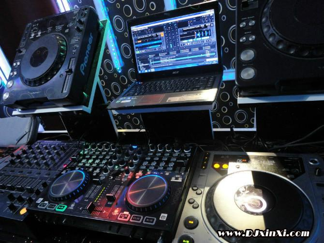 Оборудование для ночного клуба и DJ контроллер - 2